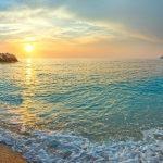 Kefalonie, pláž Myrtos, Řecko